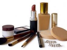 化妆新手必备7种化妆品